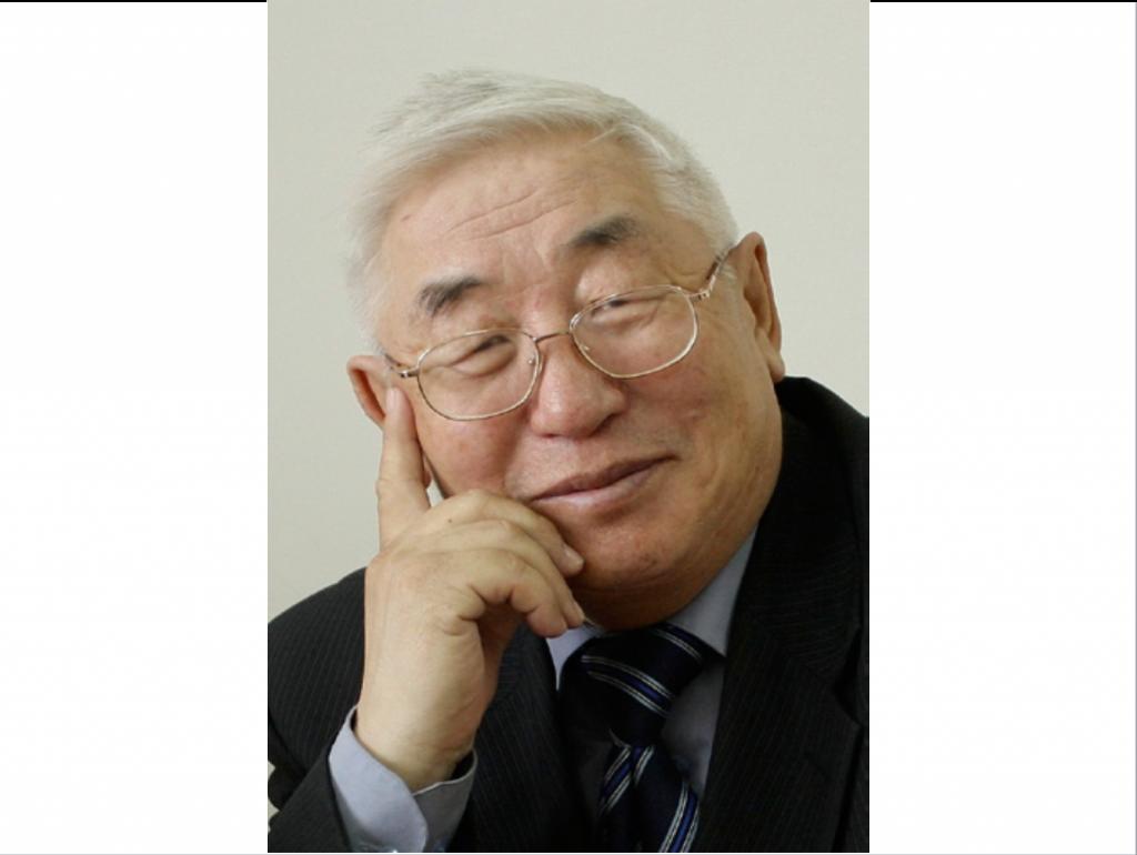 Поздравляем с 75-летием Василия Васильевича Илларионова!